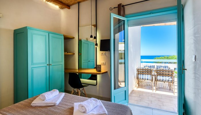 Two bedroom apartment with balcony and sea view header