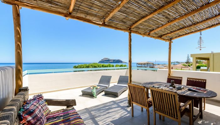 Two bedroom apartment with terrace and Sea View header